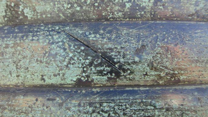 三条大橋の擬宝珠 擬宝珠の刀傷No3