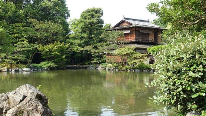 厳島神社 九條池と拾翠亭